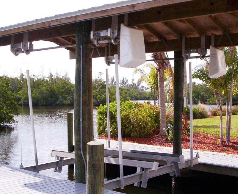 Jet Ski Lifts For Sale >> Boat House Lifts : Boat Lift U.S.